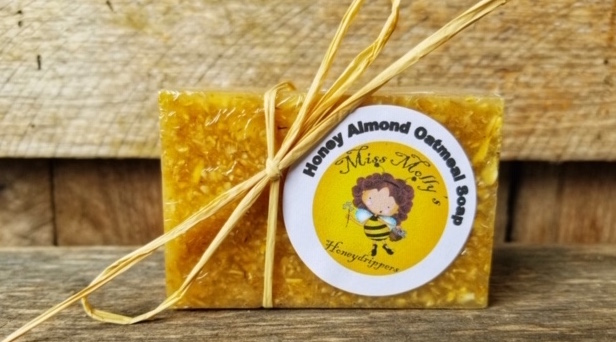 Handcrafted Soap: Honey, Almond & Oatmeal 4oz
